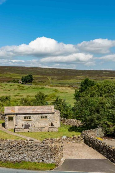 Yorkshire Hideaway - view from the road