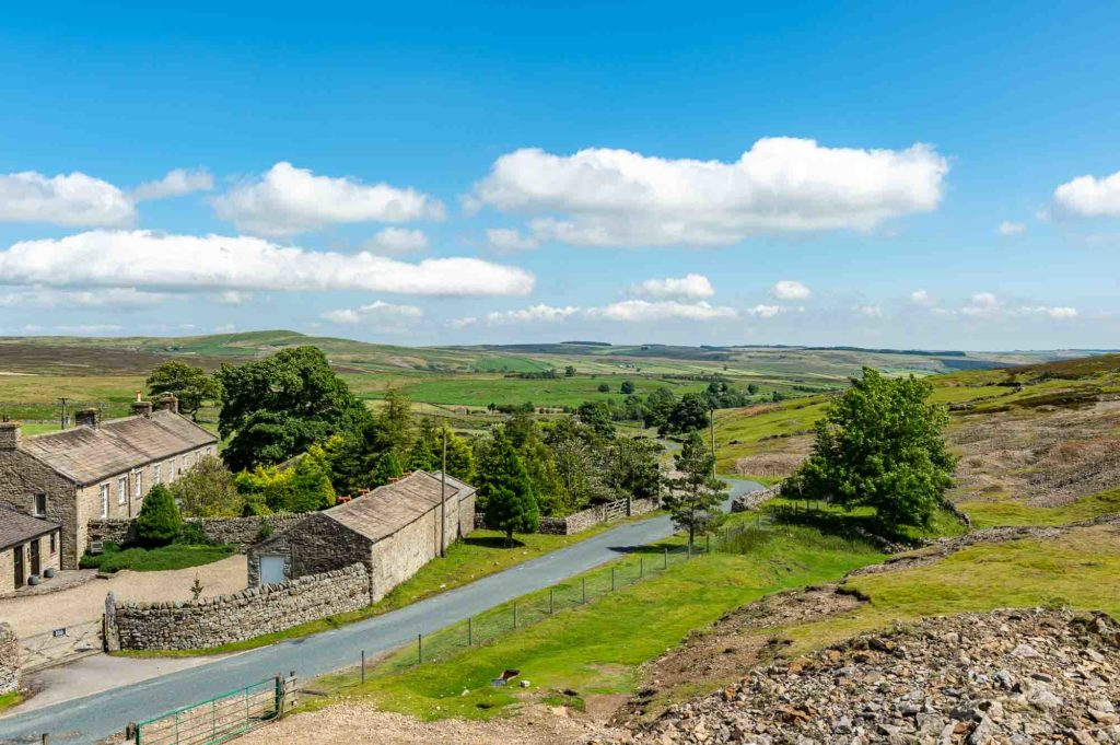 Yorkshire Hideaway - local road