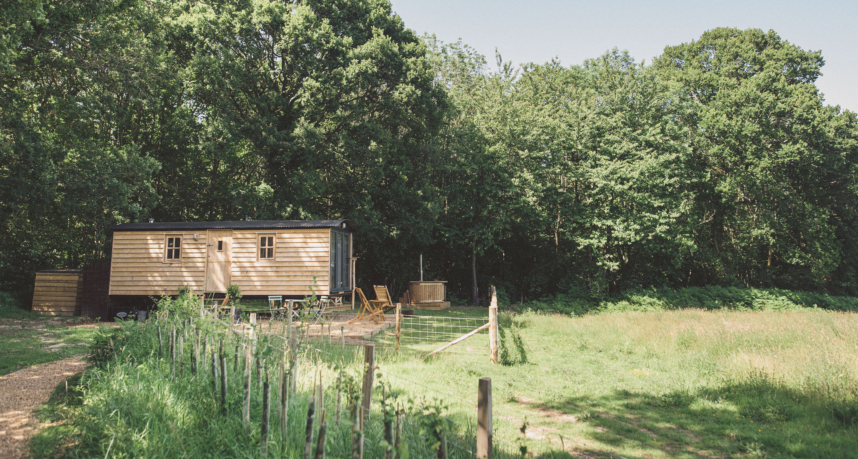East Sussex Meadow Escape - setting
