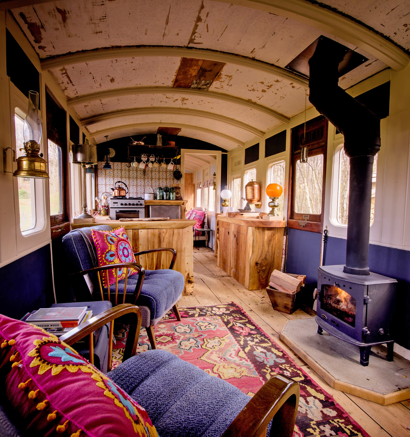Quirky Sussex Carriage - cosy interior