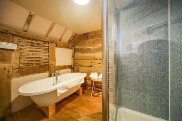 Ludlow Hideaway - bathroom