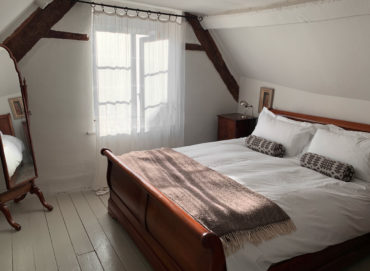 Artist's Loft, Hay - bedroom