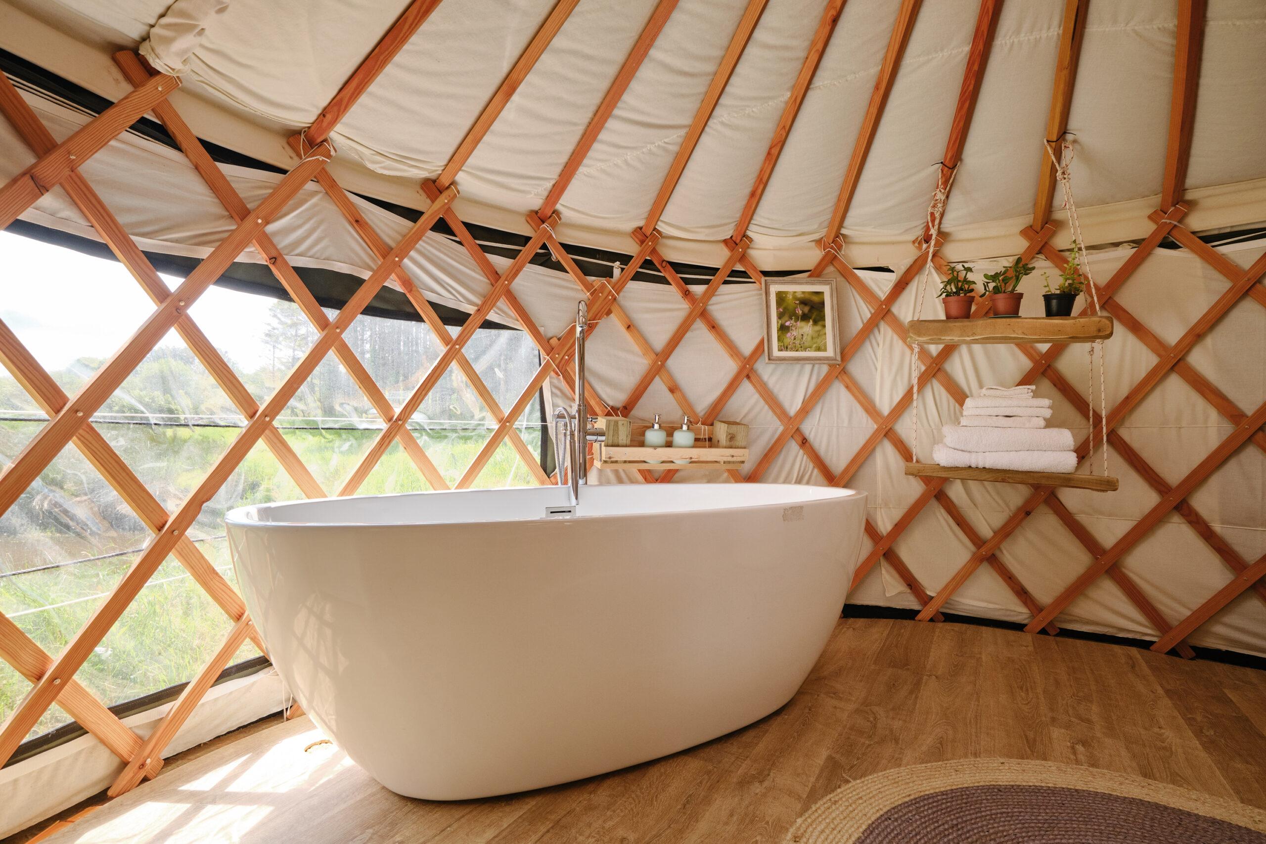 Lakeside Yurt Cornwall